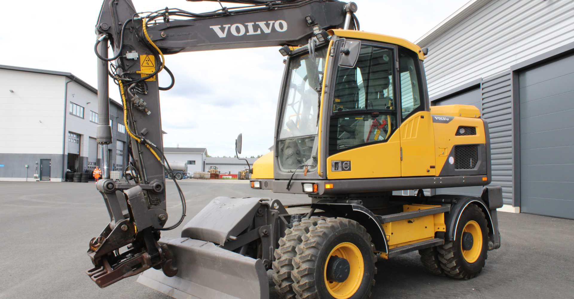 Excavator-Volvo-EW-140D-10-1-aspect-ratio-1440-750